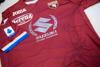 Torino FC celebrate Suzuki and Mir with commemorative jersey