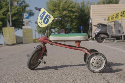 Con una rueda bajo el brazo: Así nació el mito de Rossi