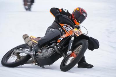 Kallio suffers leg break in ice road racing accident