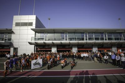 The paddock pay tribute to Fausto Gresini