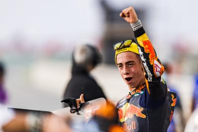 ASTONISHING: Acosta wins epic Moto3™ battle from pitlane