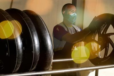 Come si utilizzano in MotoGP™ gli pneumatici preriscaldati?