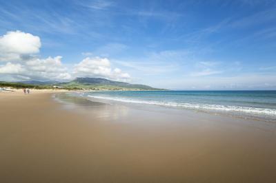 4bbc 970ffd2cf7652725 5 13 playa de bolonia cadiz.small