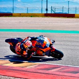 Pedrosa & KTM testen mit den WorldSBK-Teams in Aragon