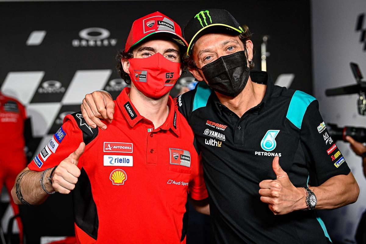 Francesco Bagnaia dan Valentino Rossi (motogp.com)
