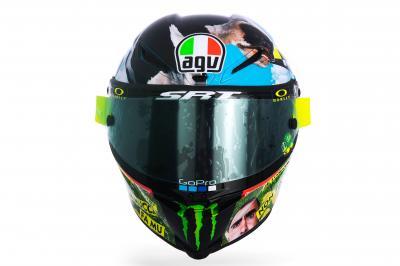 GALLERIA: Rossi presenta il casco per il Mugello 2021