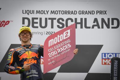 Moto2™: Gardner gwinnt 200. Rennen der Mittelklasse