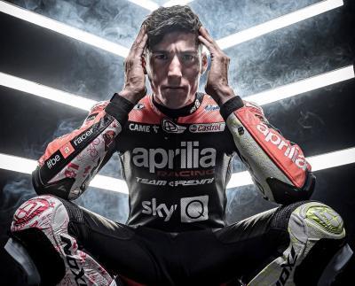 Riders' Rituals @aleixespargaro - Three magic touches to the helmet