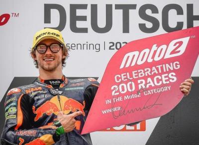 Making history! The winner of the 200th #Moto2 race: @remygardner