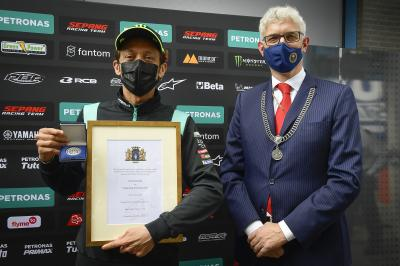 Rossi named an honorary citizen of the city by Assen Mayor