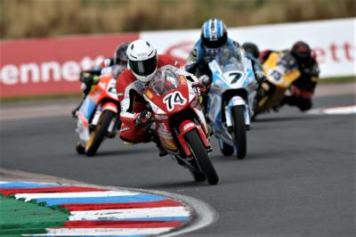 Brown wins Race 1 to make gains at Thruxton