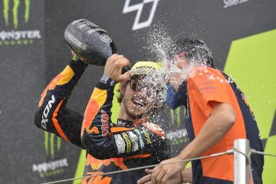 Moto2™ race recap: Gardner cashes in on Fernandez fall