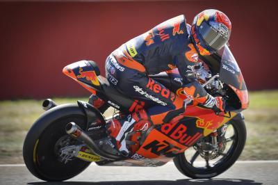 Moto3™: Deniz Öncü lidera la jornada inaugural en Aragón