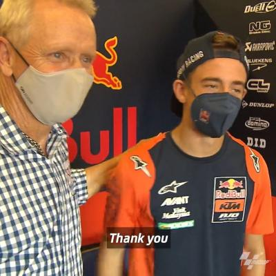 A special surprise for @37pedroacosta! The #Moto3 championship leader met