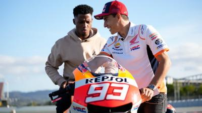 Ansu Fati visits Marc Marquez at his 'office'